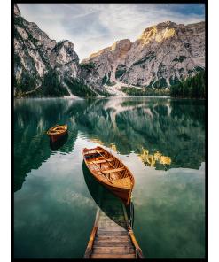 obraz łódka na jeziorze góry krajobraz