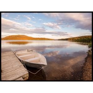 jezioro łódka tratfa widok plakat